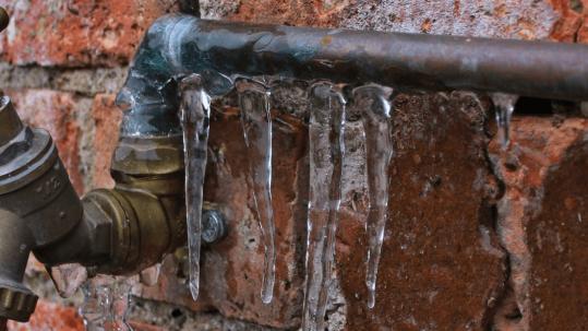 como proteger las tuberias del frio y de las heladas